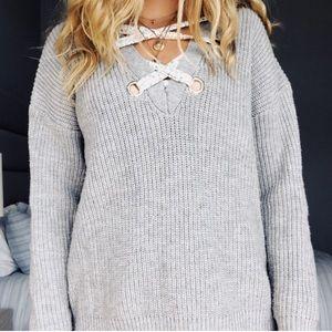Gray Sweater w/ Flower Detailing - Shein